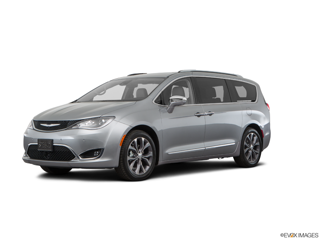Chrysler Pacifica vs Chrysler Town & Country
