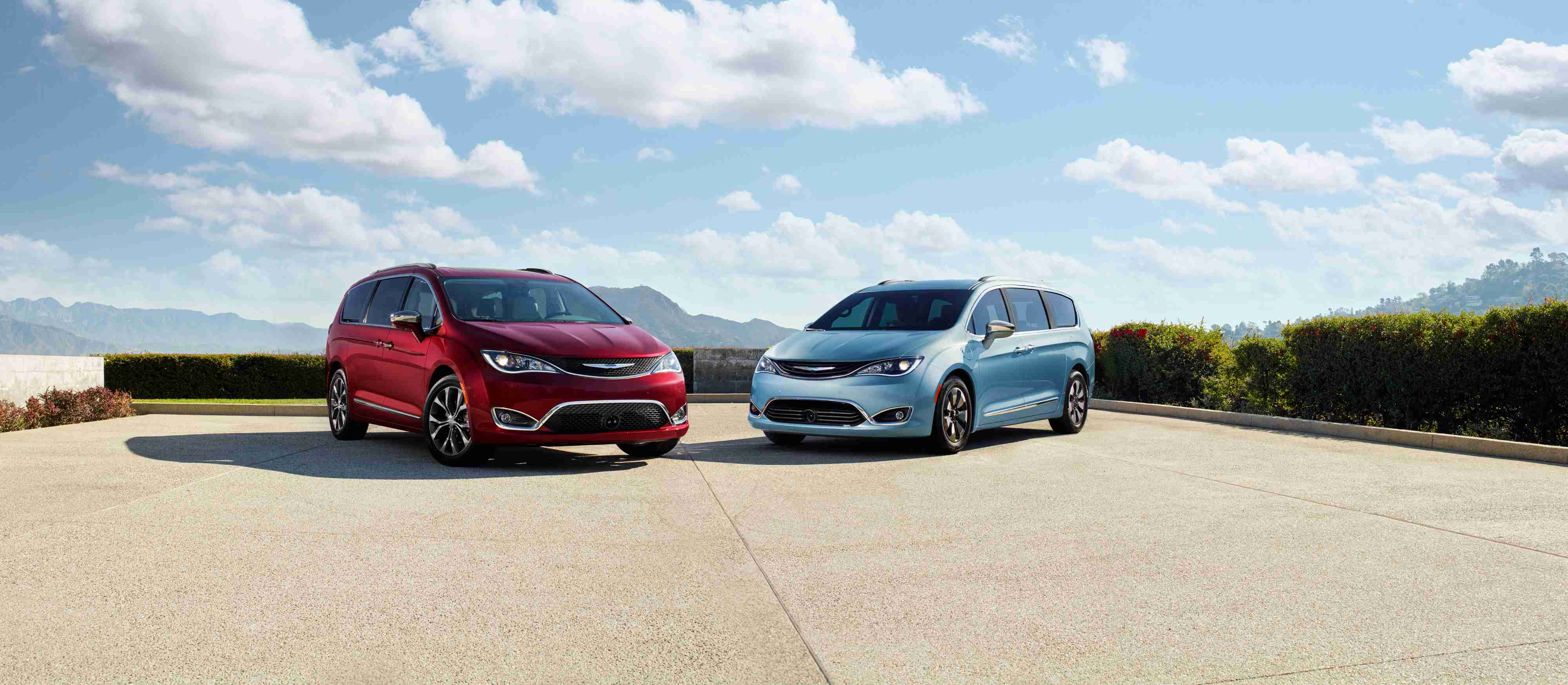 Chrysler Pacifica and Chrysler Town & Country Comparison